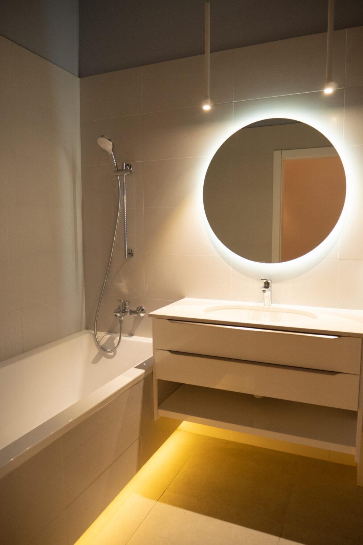 fashionable white bathroom