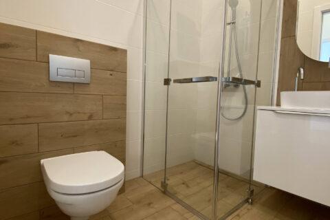 transparent shower cabin
