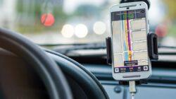 phone navigator in a car