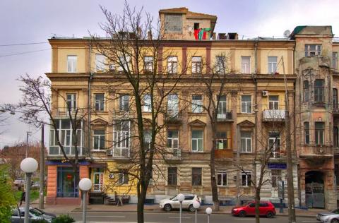 building facade -3  Velyka Zhytomyrska 34