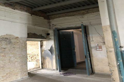 entrance olesya honchara 60