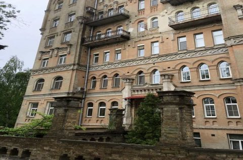 building facade olesya honchara 60