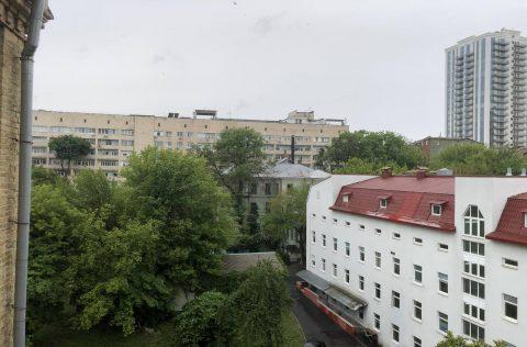the view (3) olesya honchara 60