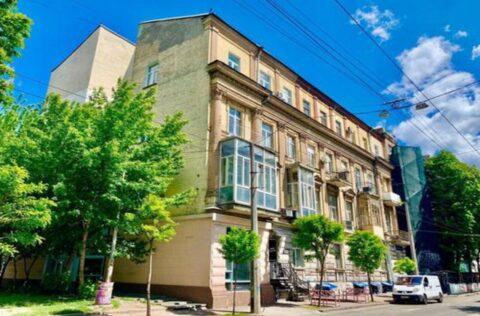 building facade -2 Velyka Zhytomyrska 34