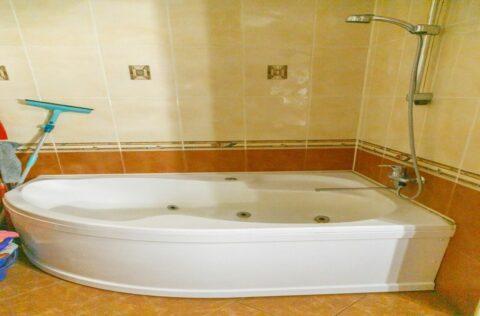 bathroom Antonovycha 10