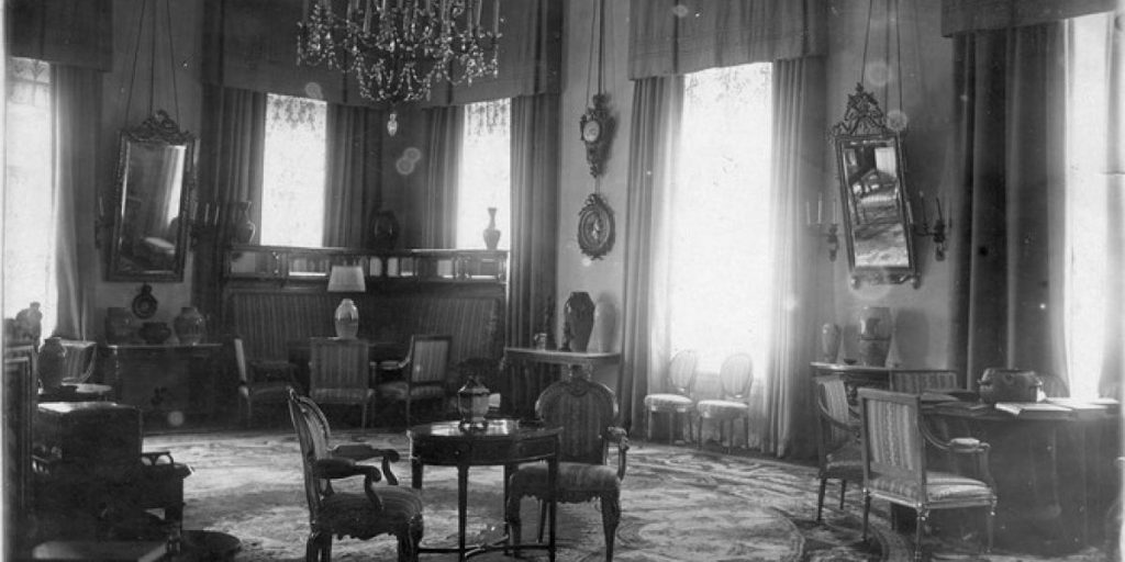 tsarist house interior